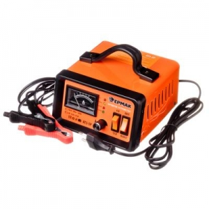 Зарядное устройство трансформаторное автомат АТЗ-5Р, 0-5А, 6В/12В, металл.корпус Ермак