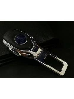 Заглушка ремня безопасности металл/кожа с логотипом Mitsubishi