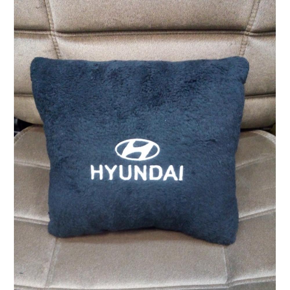 Подушка с логотипом Hyundai, 30*30см, черная