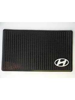 Нано-коврик на панель противоскользящий с логотипом ХЕНДАЙ