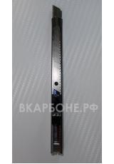 Нож с корпусом из нержавеющей стали